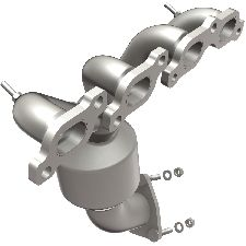 Bosal Catalytic Converter with Integrated Exhaust Manifold