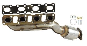 Eastern Catalytic Catalytic Converter with Integrated Exhaust Manifold  Right